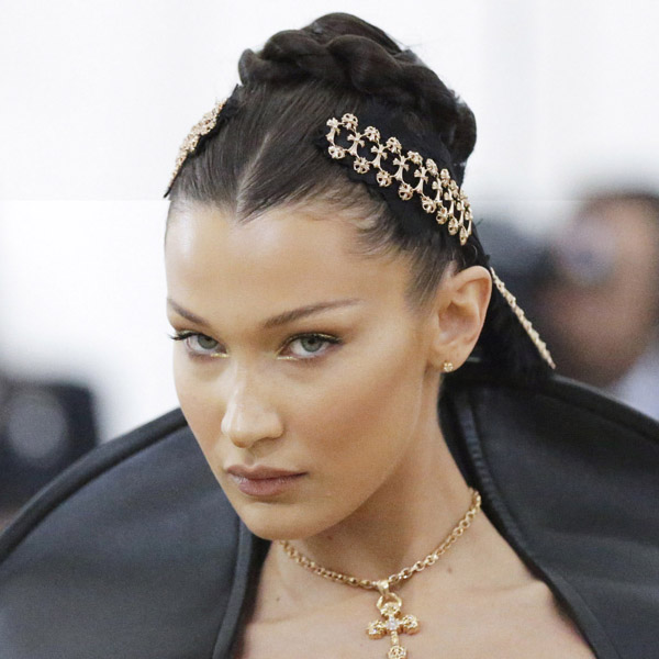 Bella Hadid arrives on t